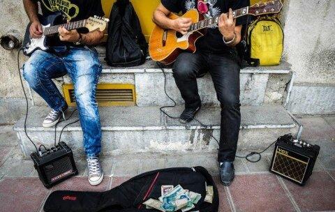 تنگناهای مالی نوازندگان را راهی خیابانها کرد