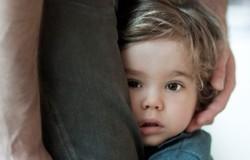دلایل کم رویی کودکان چیست؟ راهکارهایی برای کاهش کم رویی