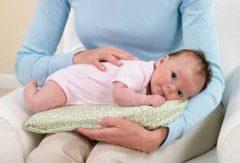 کولیک نوزاد چیست / علائم و نشانه های کولیک