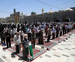 نماز جماعت به خاطر کرونا در صحنهای مرکزی حرم امام رضا(ع)اقامه نمیشود