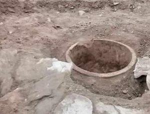 کشف اشیاء تاریخی حین حفر کانال آب در کدکن تربتحیدریه