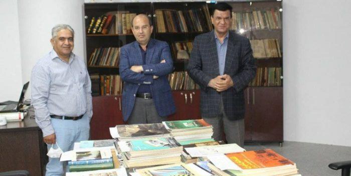 اهدای ۲۴۰ جلد کتاب و مجله تخصصی به موزه بزرگ خراسان