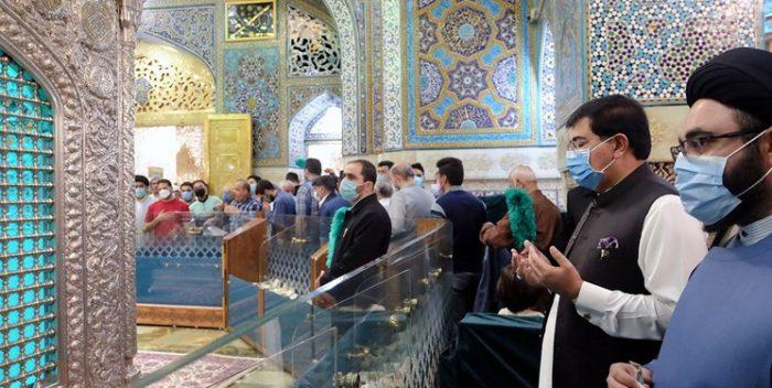 رئیس مجلس سنای پاکستان به زیارت حرم امام رضا(ع) رفت